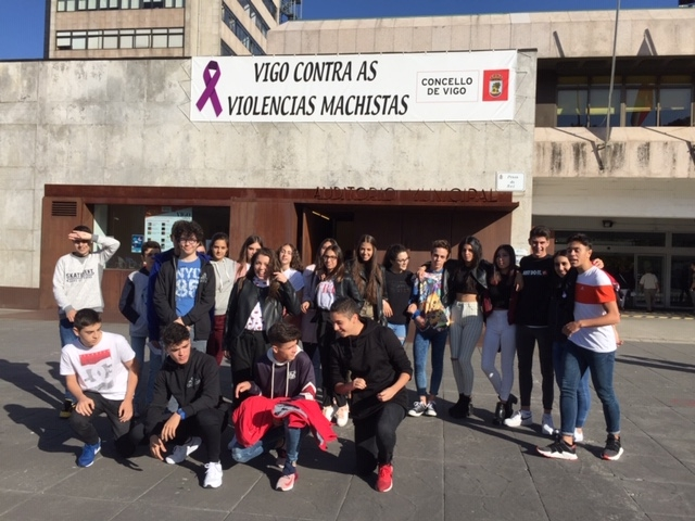 Charla 'Mozas e mozos, cambiando estereotipos ' no auditorio municipal